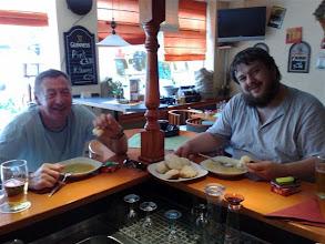 Photo: Dampfnudel-Essen im Cheers