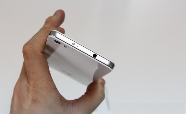 Thiết kế Huawei X3 cao cấp, thanh lịch