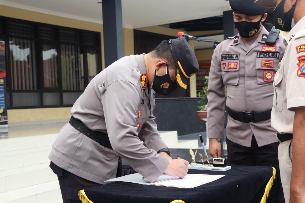 Kapolres Ponorogo Bersama Anggota Deklarasi Anti Narkoba dan Penandatanganan Pakta Integritas