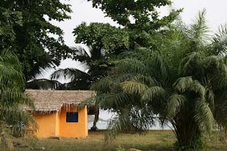 Photo: Ezile bay village : bungalow sur la plage  Akwidaa west coast, Ghana