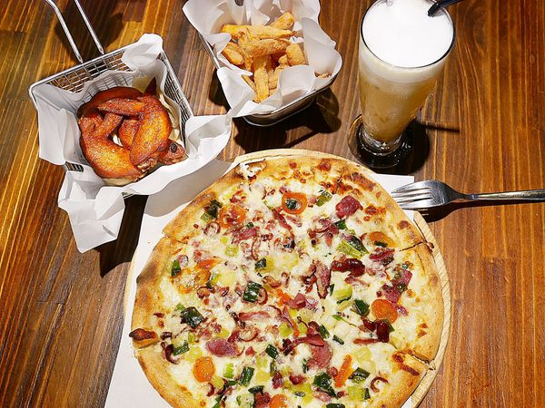 貝加莫廚房 - 宜蘭頭城超美味披薩,多種特色口味,雞翅和貝加莫黃金鴨片都不能錯過