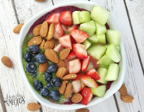 """Berry Green Smoothie Bowl """"This is the healthiest meal I have tried..."""