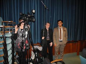 Photo: Le Pr Abderrazak EL ALBANI et l'équipe d'UPtv de l'Université de Poitiers, Flora BELLE et Cécile RODRIGUEZ.