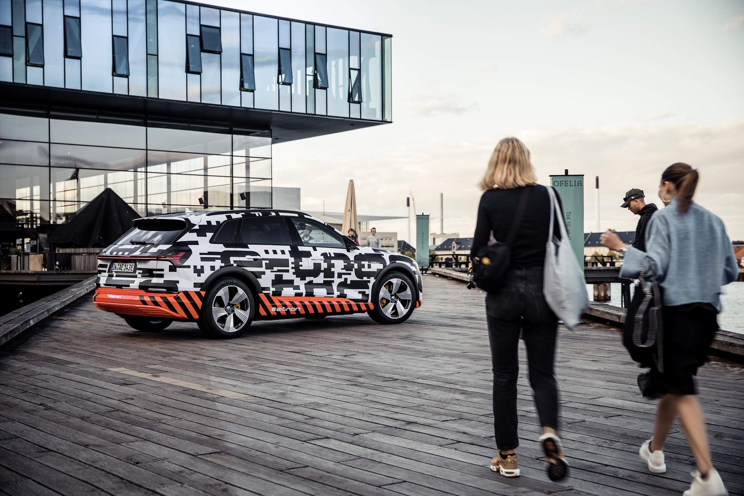 w2VgV8TaYfkpnpnF7ANRqe3xYDM4b7wpbzXONiKn4iQqqDrdukquZdZqkq3MjG2blhGzlSDxVVfeSe3KXhPaj6mxqIvDjqLyhQR2VjIr Tv5xteUb5JdzReq0KO zWcroAVxCJH9dg=w2400 - Así es el interior del Audi e-tron quattro, pantallas por retrovisores
