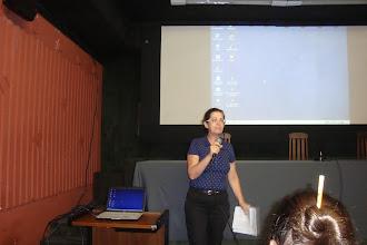 Photo: A Bibliotecária Celia Escobar apresentando a GIDJRJ