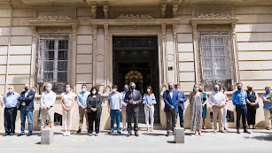 Minuto de silencio a las puertas del Palacio provincial.