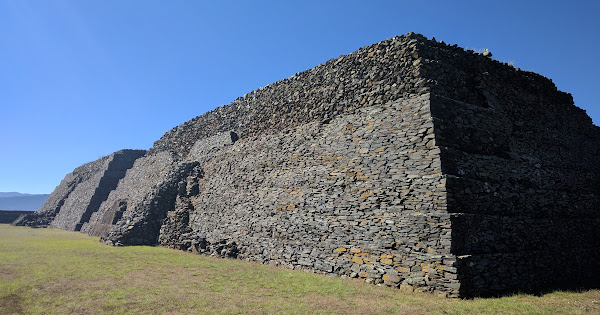 Pirámides de Ihuatzio · 25 nieuwe foto's toegevoegd aan gedeeld album