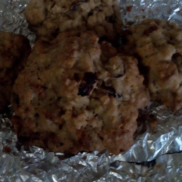 Soft, Cinnamon Oatmeal Craisen Cookies Recipe
