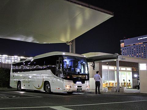 中国JRバス「グランドリーム横浜・東京2号」 1708 岡山駅西口改札中_04