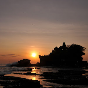 Sunset at Tanah Lot, Bali.JPG