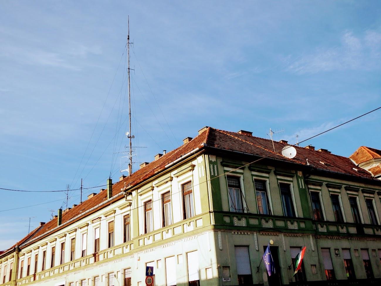 Kalocsa/Városház utca 5. - helyi URH-FM adóállomás