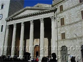Photo: Temple- Minerva- Asis -Italia