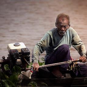 Live & Life by Premtawi Thinkfoto - People Portraits of Men ( travel, people, hyper portrait, portrait )