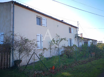 maison à Saint-Paul-Mont-Penit (85)