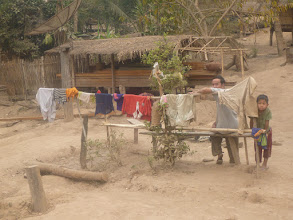 Photo: Vzhledem k obrovskému množství prachu, který se tu za období sucha nashromáždil, chytá prádlo unikátní odstíny.