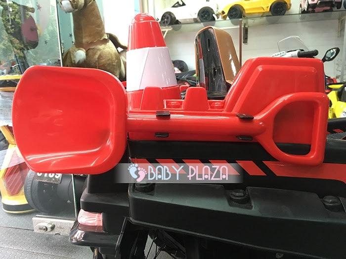 Xe oto điện Jeep KKL-5288 cực ngầu cho bé 13