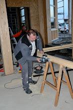 Photo: 20-11-2012 © ervanofoto En met de schaaf zijdelings nog wat bijwerken.