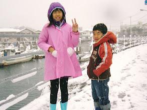 Photo: 親よりテンションの低い子供たち。 おまえたちはこれ(雪)を見て、テンション上がらんのかー!