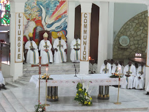 Photo: Sn2C0712-160207Dakar, cath. messe, célébrants, dont Mgr Benjamin NDIAYE, Archevêque de Dakar IMG_0883