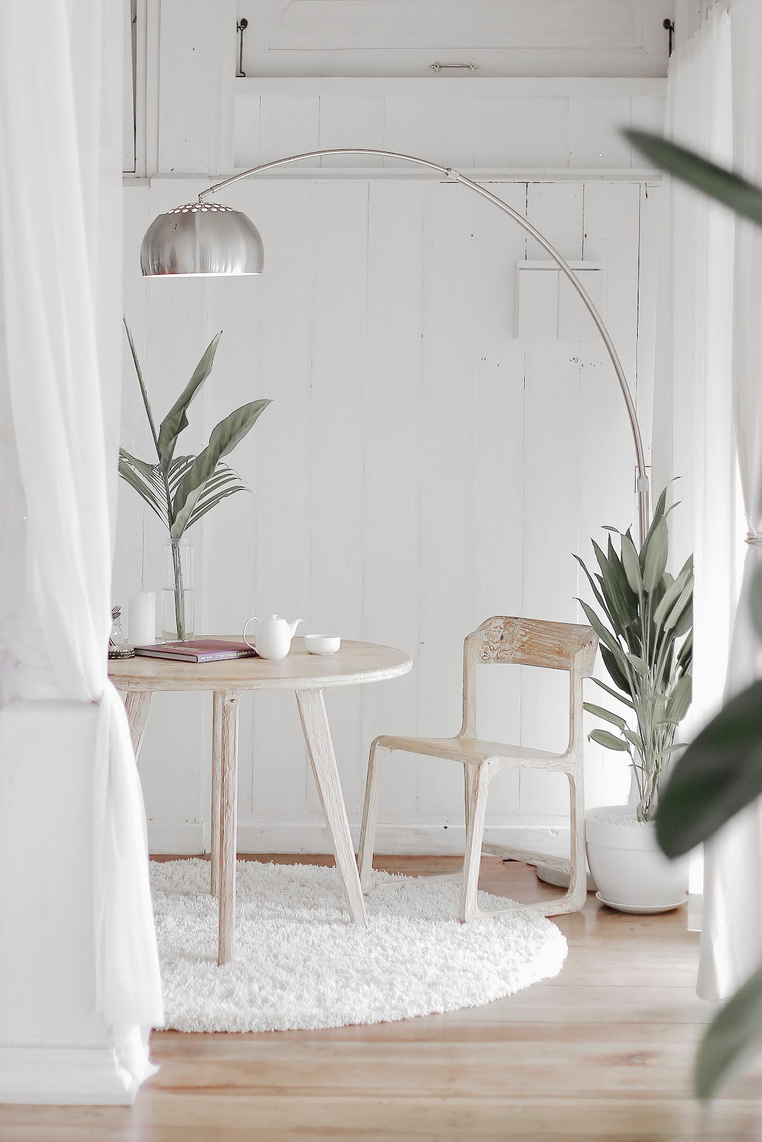 Mendesain ruangan bertema minimalis memberikan tantangan tersendiri - source: unsplash.com