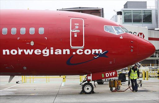 Norwegian Air sets big discount for share sale