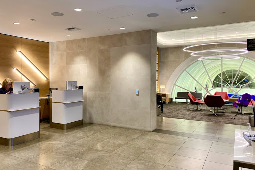 American Airlines expands Flagship Lounge access to lie-flat Hawaii routes