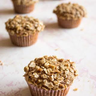 Apple Cinnamon Crumble Muffins.