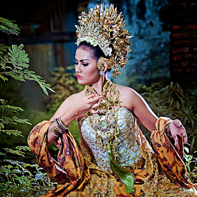 Gayatri Rajapatni by Andi Irawan - People Fashion ( indonesia, traditional, historical, fashion photography, culture )