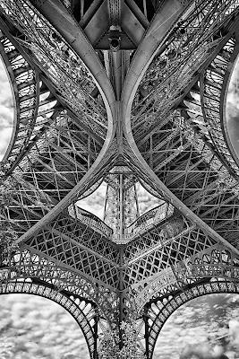 La possanza della Torre Eiffel di Gianva