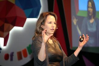 Photo: KonuşmacıAnne Skare Nielsen konuşmasını yaparken... www.gelecekgunu.org