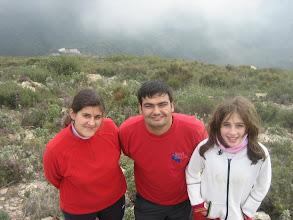 Photo: Martín, Ana y Maria José subiendo al Cerro de La Mezquita.