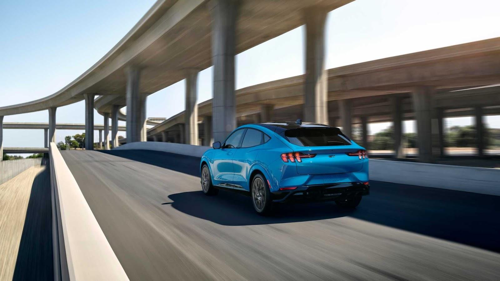 2020-ford-mustang-mach-e-1.jpg