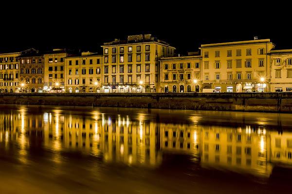 Lungarno by night di alfonso gagliardi