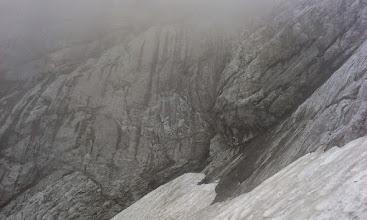 Photo: Na južni strani...je še vedno sneg.
