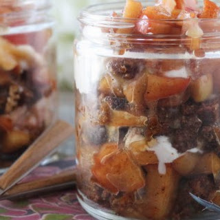 Thanksgiving Caramel Apple Pie Trifles.