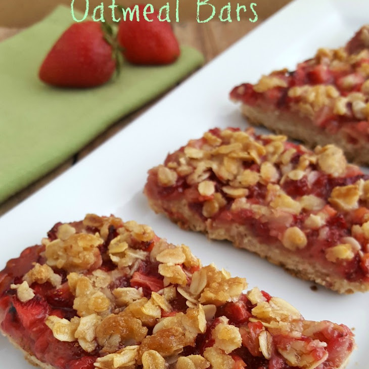 Healthy Strawberry Oatmeal Bars Recipe
