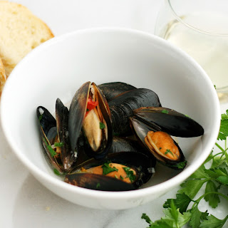 Steamed Mussels in White Wine.