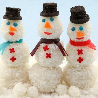 Snowman Snowball Cakes.