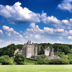 #iphone #dicalva #ubiquography #pixoto #castle by Diana Calvario - Instagram & Mobile Instagram