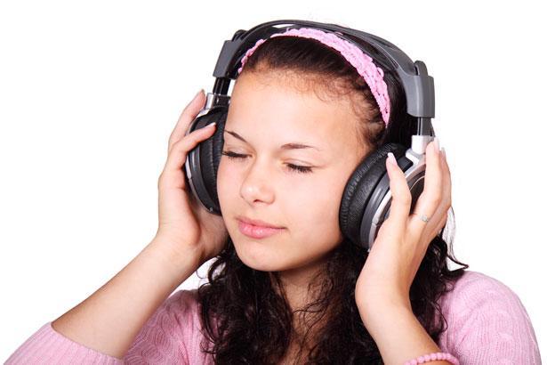 Thường xuyên luyện nghe để nhanh chóng nâng cao khả năng ngôn ngữ