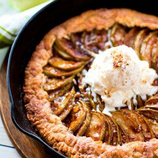 Stuffed Crust Skillet Apple Pie Recipe