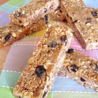 Speculoos Oatmeal Raisin Cookie Dough Granola Bars