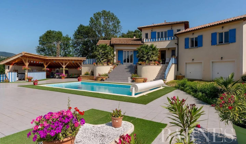 Villa avec jardin et terrasse Claveisolles