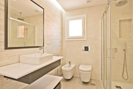 Vente villa 6 pièces 246 m2