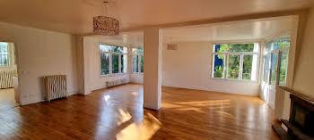 Maison 11 pièces 318 m2