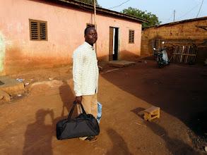 Photo: Ancien filleul depuis la classe de 6ème au collège d'Aplahoué, Bernadin est professeur d'anglais au collège de Klouékanmé