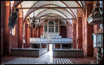Photo: Die St. Marienkirche in Kenz wurde um 1398 als Wallfahrtskirche im Stil der Backsteingotik auf einem Feldsteinsockel nahe einer heilkräftigen Quelle errichtet. Kenz war im 15. Jahrhundert der meistbesuchte Wallfahrtsort Vorpommerns