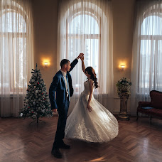 Wedding photographer Vladimir Lesnikov (lesnikov). Photo of 10.12.2018