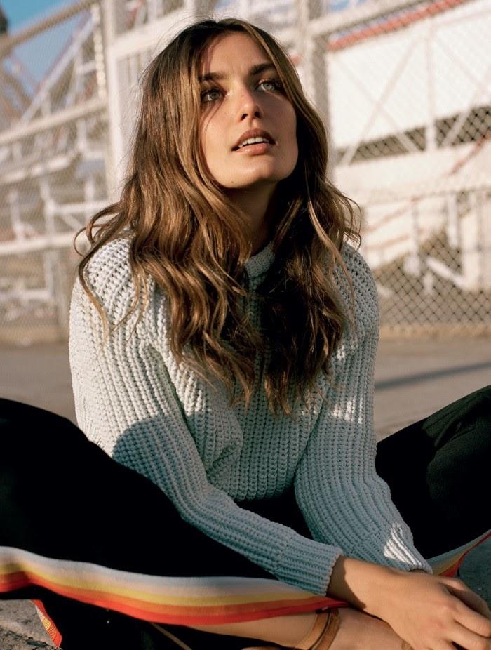 Андреа Диакону Vogue Turkey июль-2016, белый трикотажный свитер