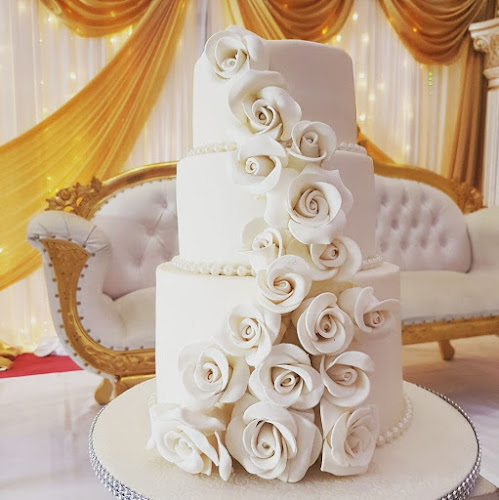 White Wedding Cake by Lilli Oliver Cakes Manchester